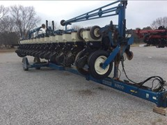 Planter For Sale 2001 Kinze 3600