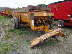 Manure Spreader-Dry/Pull Type For Sale Kuhn Knight 8114
