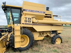 Combine For Sale 1998 New Holland NH-TR98