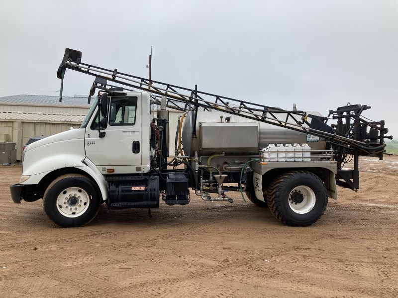2006 International 8600 Floater/High Clearance Spreader For Sale