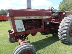 Tractor For Sale IH 966