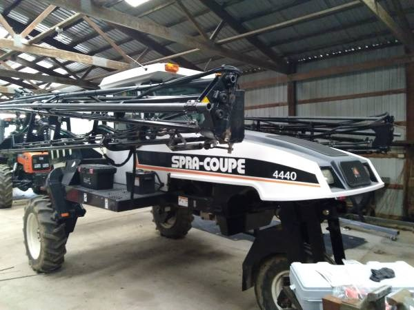 2004 Spra-Coupe 4440 Sprayer-Self Propelled For Sale
