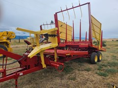 Bale Wagon-Pull Type For Sale 1980 New Holland 1036
