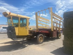 Bale Wagon-Self Propelled For Sale 2015 New Holland H9880