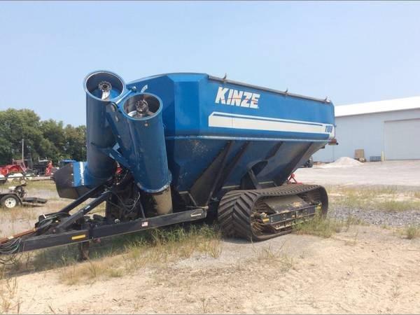 2014 Kinze 1100 Grain Cart For Sale