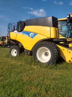 Combine For Sale New Holland CR 9060