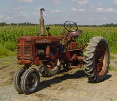 Tractor - Row Crop For Sale IH FARMALL 230 , 25 HP