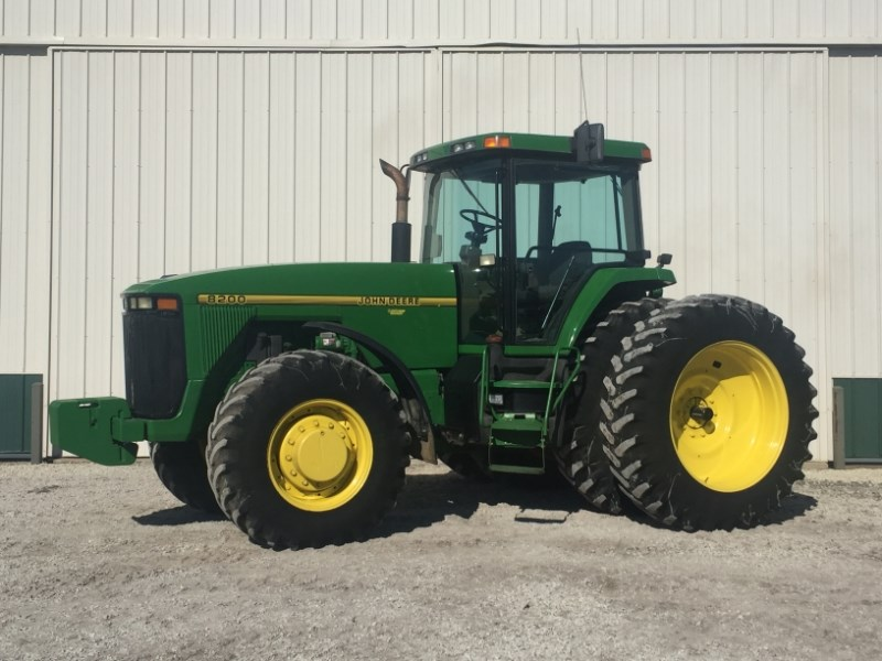 1995 John Deere 8200 Tractor For Sale