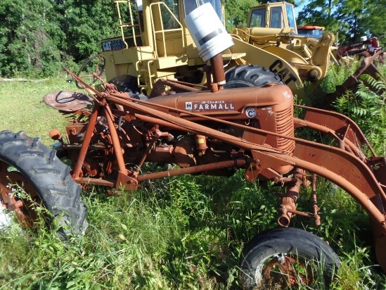IH FARMALL SUPER FC Tractor For Sale