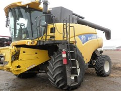 Combine For Sale 2008 New Holland CR9060