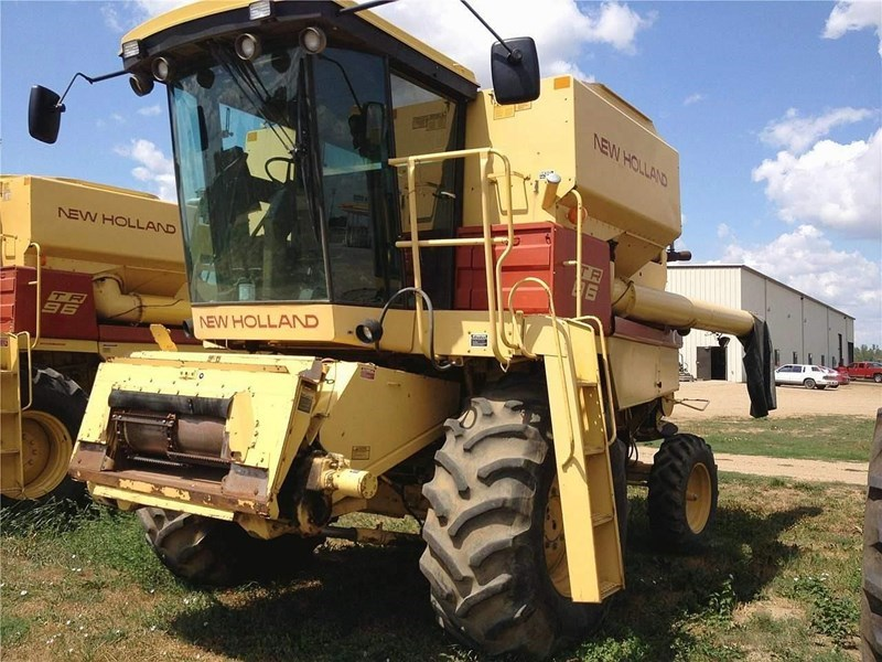 1988 New Holland TR86 Combine For Sale
