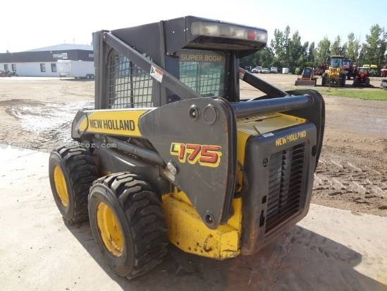 2007 New Holland L175 - 2000 lbs cap, Hand/Foot Controls, Aux Hyd Skid Steer For Sale