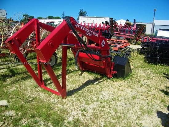International 2250 Front End Loader Attachment For Sale at