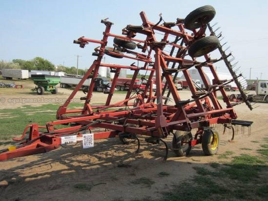 1992 Case IH 4800 Field Cultivator For Sale