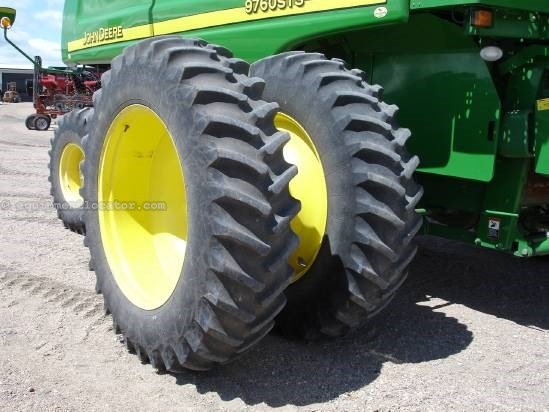 2007 John Deere 9760 Combine For Sale