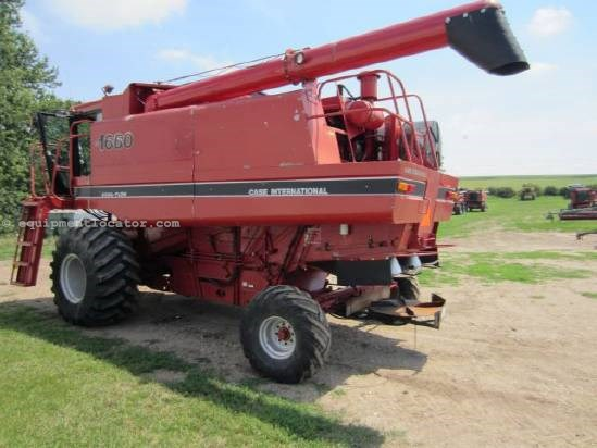 1986 Case IH 1660 Combine For Sale