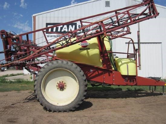 2003 Hardi 1100 Sprayer-Pull Type For Sale