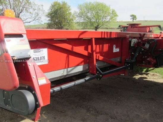 2006 Case IH 2412 Header-Corn For Sale