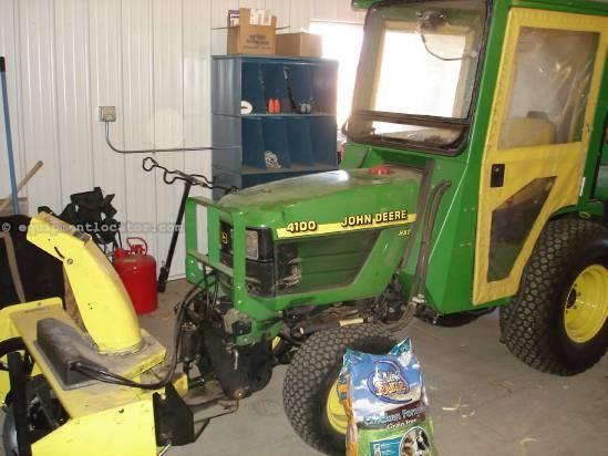 2001 John Deere 4100 Tractor For Sale