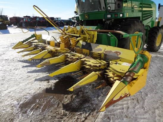 2004 John Deere 688 - 8R30 Cornhead for Forage Harvester (7500) Forage Head-Row Crop For Sale