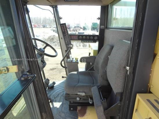 1998 New Holland TR98 - Sep Hrs 3216, 30.5R32, Chopper, Spreader Combine For Sale