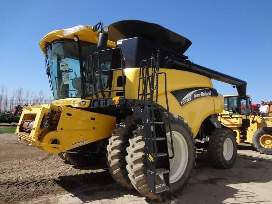 2004 New Holland CR970 - Sep Hrs 1911, UPTIME READY!, RWA, Dls, FT Combine For Sale