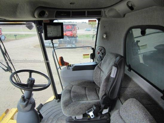 2007 New Holland CR9060 Combine For Sale