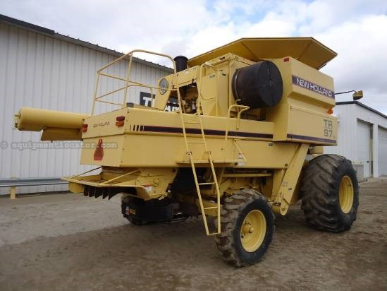 1995 New Holland TR97 Combine For Sale