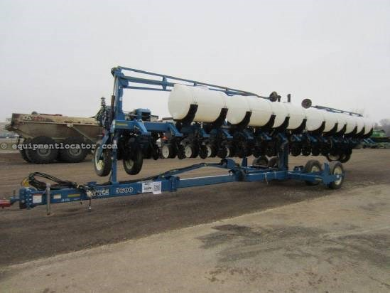 2002 Kinze 3600 Planter For Sale