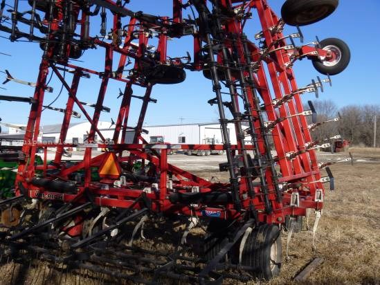 NULL Wil-Rich Q5 Field Cultivator For Sale