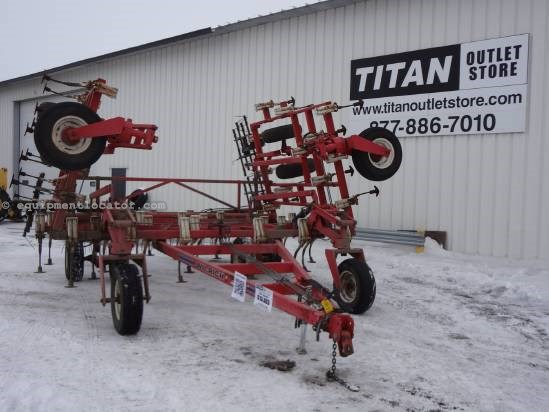 NULL Wil-Rich QUAD V - 30 Field Cultivator For Sale