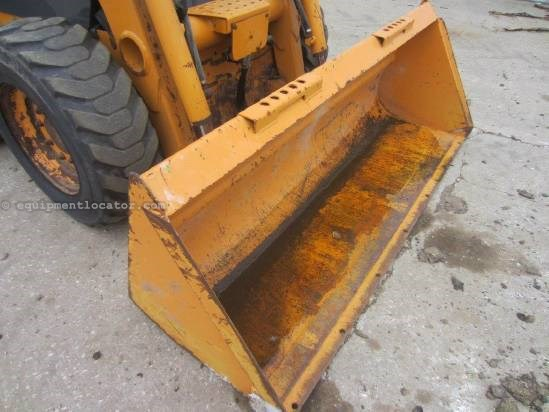 "2007 Case 420, Cab, Heat, 72"" Bucket, Aux. Hookup Skid Steer For Sale"