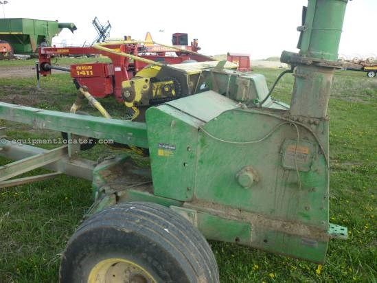 1995 John Deere 3970 Forage Harvester-Pull Type For Sale