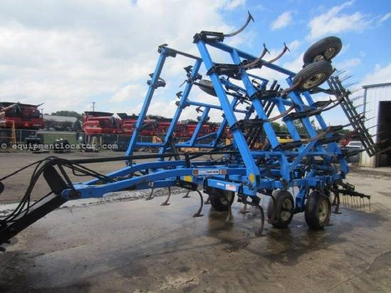 1992 DMI TMII, 25.5', 51 Shank, 4 Bar Frame, Tine Harrows Field Cultivator For Sale