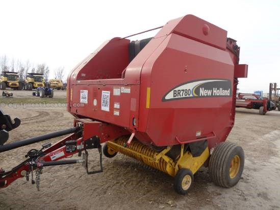 2005 New Holland BR780 - Hyd PU, Kicker, 1000 pto Baler-Round For Sale