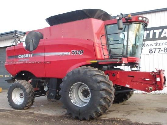 2008 Case IH 7010, 740 Sep Hr,FT,AHH, RT, Spreader, Fore/Aft   Combine For Sale