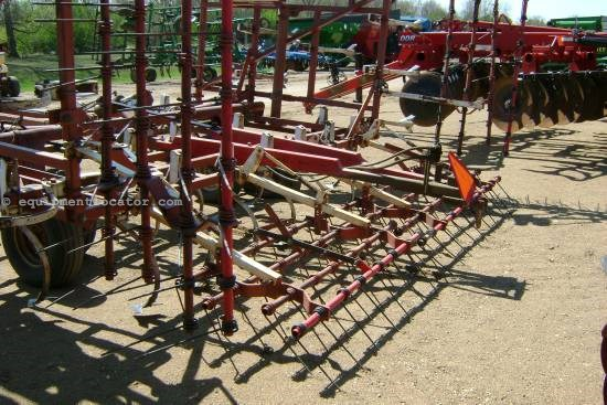 NULL Wil-Rich 1300 Field Cultivator For Sale