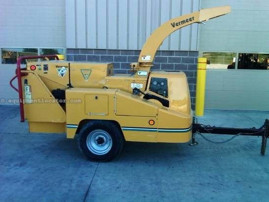 2005 Vermeer BC1000XL Chipper-Pull Type For Sale at EquipmentLocator com