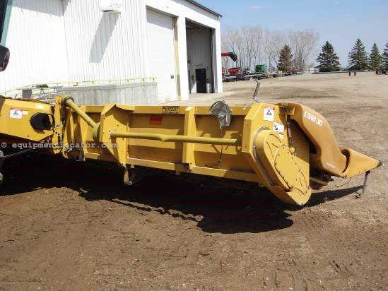 2009 Caterpillar C512 Header-Corn For Sale