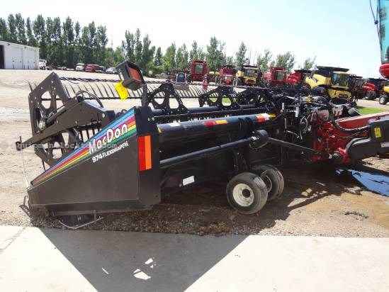 2006 MacDon 974 - 36 ft, Transport (7088,7010,8010,7120,8120) Header-Draper For Sale