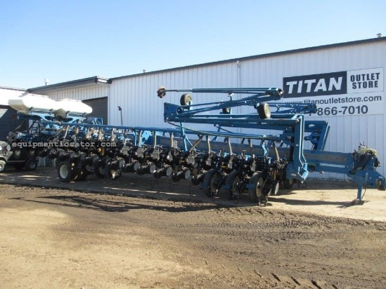 2008 Kinze 3800,36R30,Markers,Vac Meter,Front Fold,Air Clutch Planter For Sale