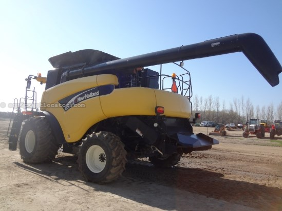 2004 New Holland CR970 - Sep Hrs 1384, 24 ft, Y&M, 900R32, Chopper Combine For Sale