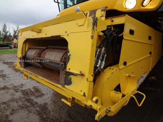 2007 New Holland CR9070 Combine For Sale