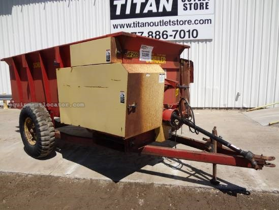 Schuler HF255 GRINDER - 540 pto, LH Discharge, 12' Long  Feed Cart For Sale