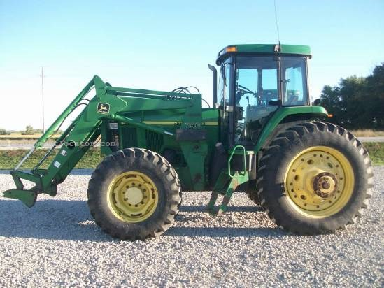 John Deere Quad Track http://www.equipmentlocator.com/asp/eDetails/John+Deere/7810%2c+MFD/Tractor/For+Sale/eqID/1356106/eID/1/loc/na-en/close/yes/
