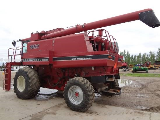 1988 Case IH 1680 Combine For Sale