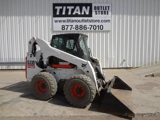 2009 Bobcat S330 - 2185 hrs, 3300 lbs cap, 2 spd, Cab/Heat Skid Steer For Sale