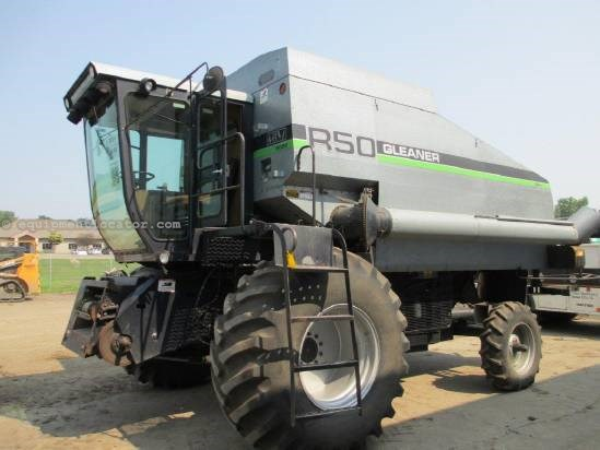 1989 Gleaner R50 Combine For Sale