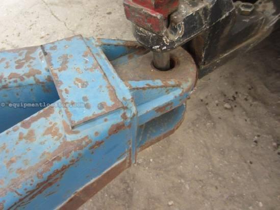 "1999 Kinze 800, 1000 PTO, Tarp, 17"" Auger Diameter Grain Cart For Sale"