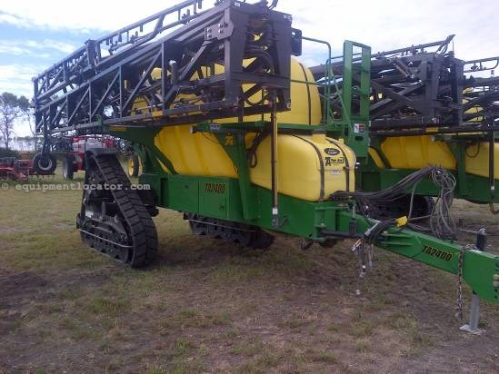 2012 TopAir TA2400 - Tracks, 132 ft, 2400 gallons, Boom Height Sprayer-Pull Type For Sale